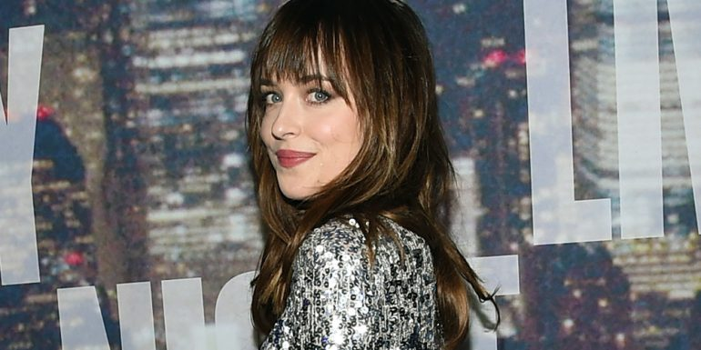 ¡OMG! Dakota Johnson robó un juguete sexual del set de '50 Shades Of Grey'
