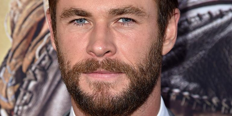 HOT HOT HOT Chris Hemsworth presume increíble six-pack + FOTO