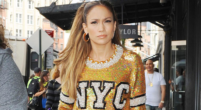 Jennifer Lopez saca su lado cougar en The Boy Next Door