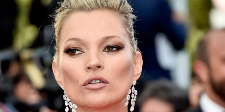 Kate Moss se convierte en Elvis Presley para video súper hOT