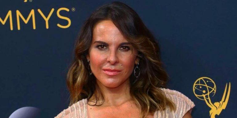 Kate del Castillo aparece en la red carpet de los Emmy Awards