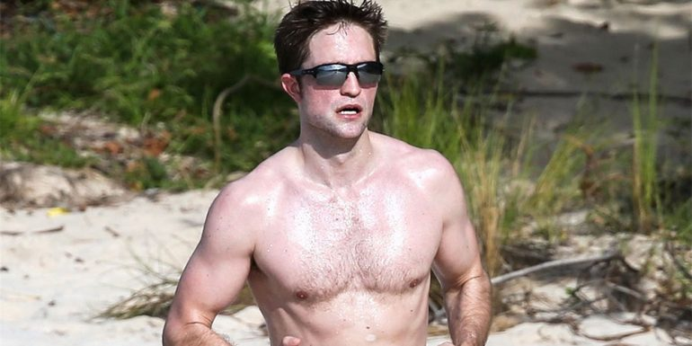 ? Las fotos (HOT) de Robert Pattinson en la playa que encenderán tu día ?