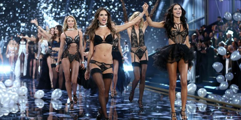 Revelan detalles inéditos del Victorias Secret Fashion Show en París + VIDEO