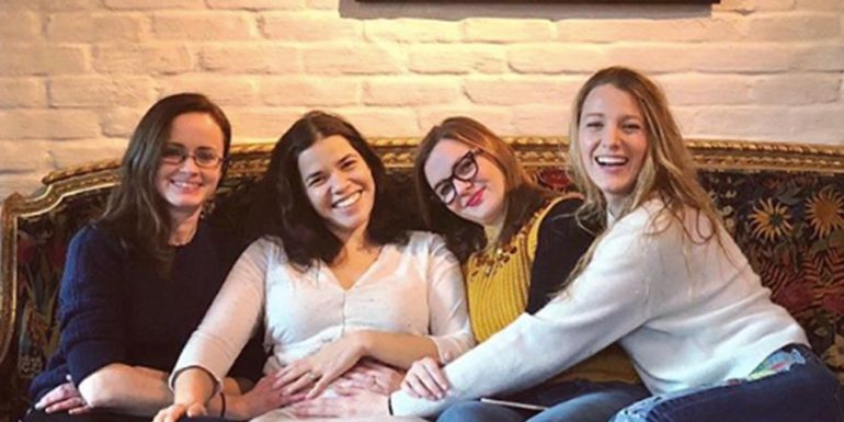 ?The Sisterhood of the Traveling Pants? se reúne por una buena causa